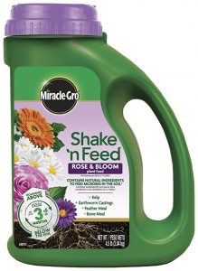Miracle-Gro Plant Food 3002210 Shake 'N Feed Rose and Bloom