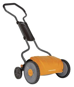 Fiskars 17-Inch StaySharp Push Reel Lawn Mower